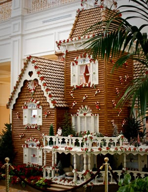 What's That Amazing Smell – Chocolate! It's Gingerbread Display Time at Walt Disney World Resort 12