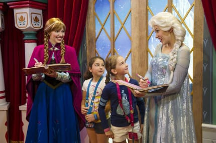 Anna and Elsa from 'Frozen' Heading to Magic Kingdom Park 8