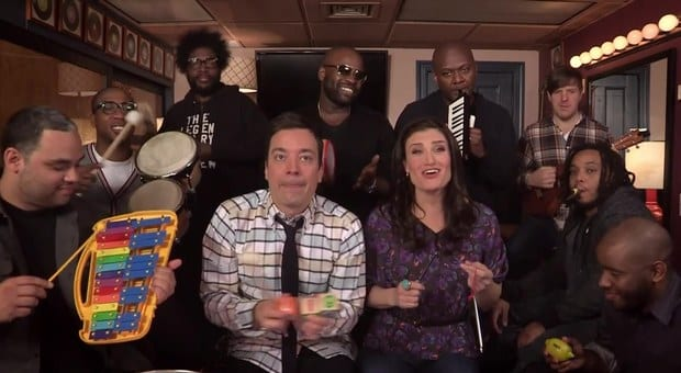 "Idina Menzel sings ""Let it Go"" With Jimmy Fallon and The Roots! 1"