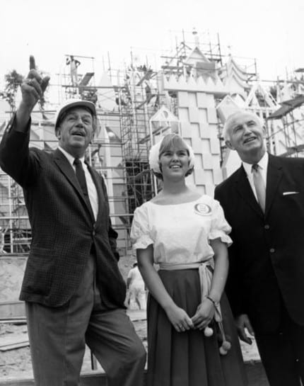 walt_disney_small_world_construction