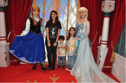 Disney from a Teen's Perspective: Character Meet and Greets Anna and Elsa 1