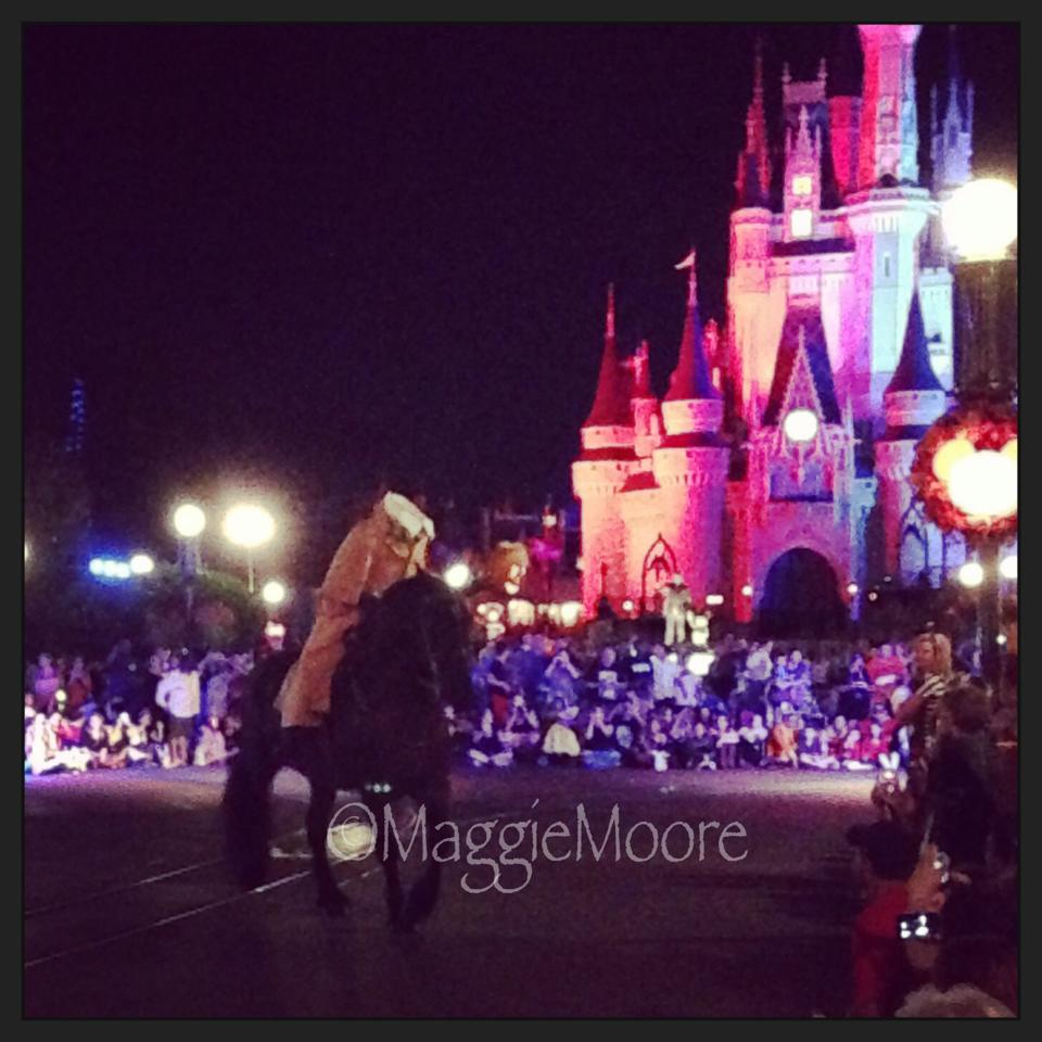 What to Expect When You're Expecting the Perfect Disney Halloween Party… By Maggie Moore 32