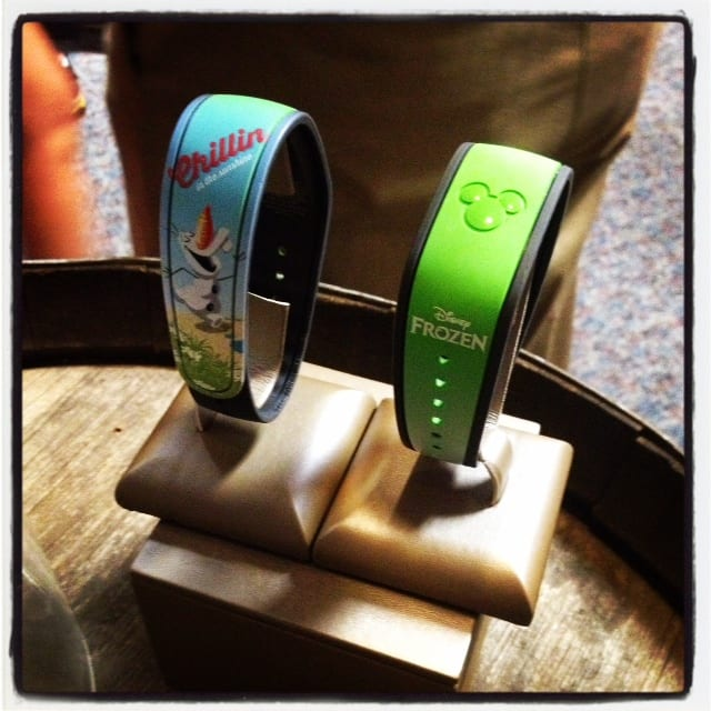 "New ""Talking Olaf"" Magic Bands at Hollywood Studios ~ Limited Edition 1"