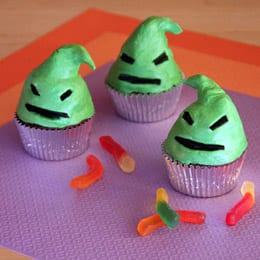 Oogie Boogie Halloween Cupcakes! 19