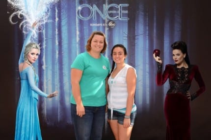 New Magical 'Once Upon a Time' Photo Opportunity to Celebrate the Arrival of 'Frozen' Characters to Storybrooke 3