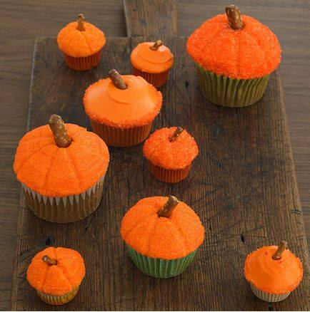 Pumpkin Cupcakes! Easy directions! 1