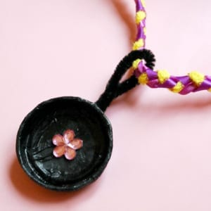 tangled-frying-pan-necklace-craft-photo-420x420-mbecker-002