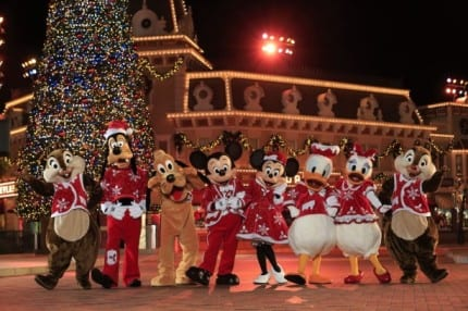 PHOTO GALLERY: Hong Kong Disneyland Celebrates 'Disney Sparkling Christmas' 6