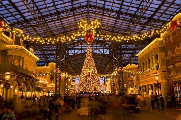 PHOTO GALLERY: Holidays at Tokyo Disney Resort 1