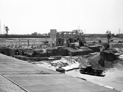 Building The Dream: The Making of Disneyland Park – Main Street Station 1