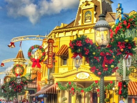 Extending Kindness this Holiday Season (Disney style) 16