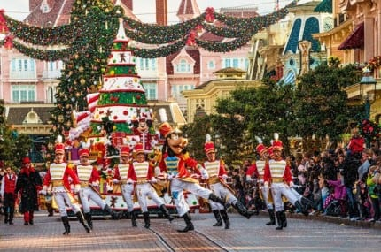 PHOTO GALLERY: The Holidays Arrive at Disneyland Resort Paris 20