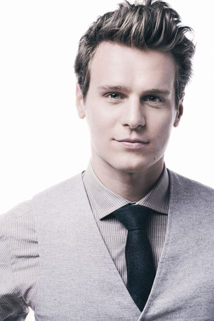 Actor Jonathan Groff Narrates 'The Candlelight Processional' December 3-4 3