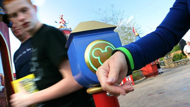 Disney offering discount park hopper tickets for annual passholders 10