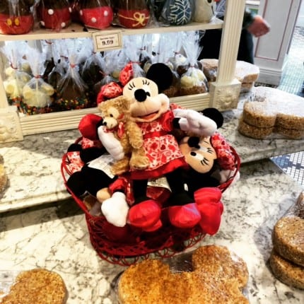 Valentine Gifts at the Magic Kingdom! #ValentinesDay #MagicKingdom 10