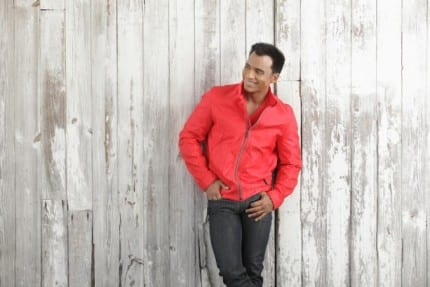 Epcot International Flower & Garden Festival Performers: Jon Secada 9