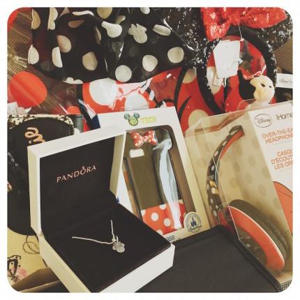 Tweet to Win a Minnie Gift Bag! 27