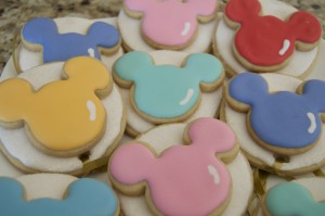 Mickey Mouse Balloon Cookies ~ How to Make Your Own! 3