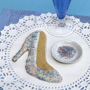 Cinderella Glass Slipper Cookies ~ Easy Directions! 9