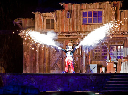 Sixty Years of Innovation: 'Fantasmic!' at Disneyland Park 6