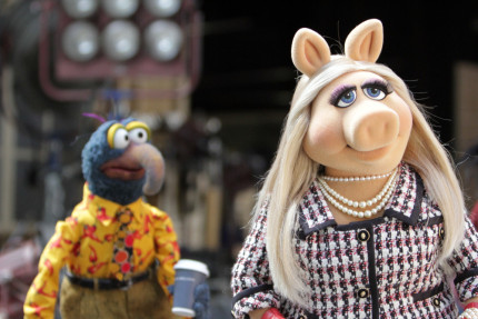 Meet the Muppets (Again) with this New Sneak Peek! 2