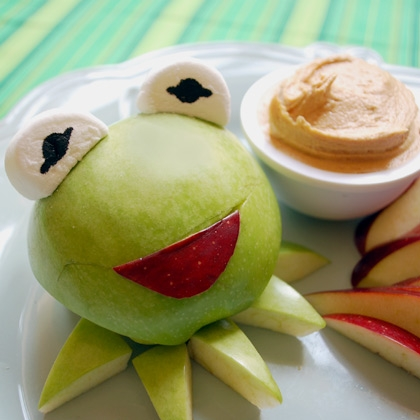 Kermit's Green Apples with Peanut Butter Dip 5