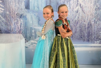 VIDEO – Visiting Ice Palace Boutique at Disney's Hollywood Studios for Frozen Summer Fun 5