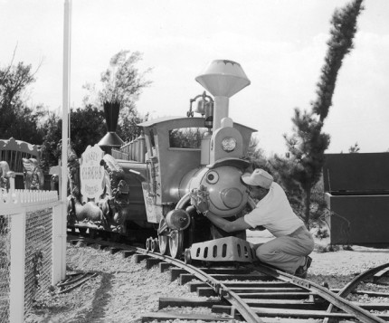 Building the Dream: The Making of Disneyland Park – Casey Jr. Circus Train 5