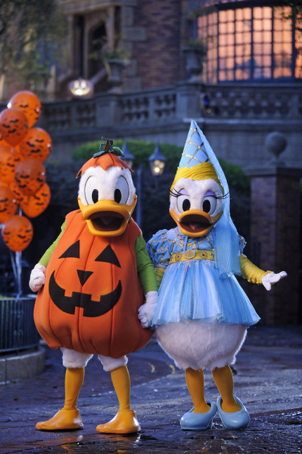 Mickey's Not So Scary Halloween Party – The Countdown Commences – PART TWO 3