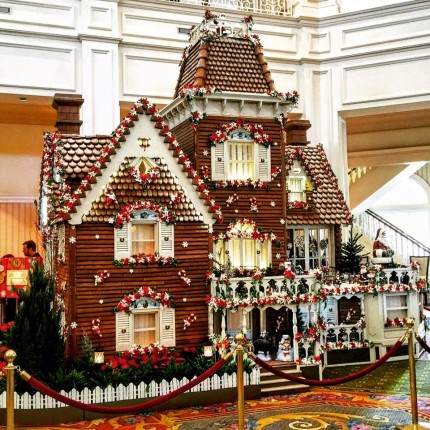 Fantastical Gingerbread Displays Decorate the Walt Disney World Resort 1