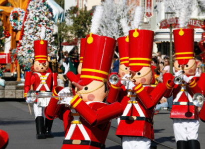 Seven Sights to See During Holidays at the Disneyland Resort 21