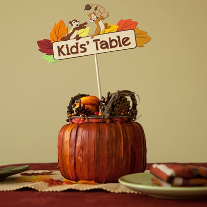 Thanksgiving Kids' Table Sign ~ Disney Craft Time! 3
