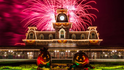Mickey's Not-So-Scary Halloween Party Spooks Walt Disney World Guests 29 Nights This Fall 4