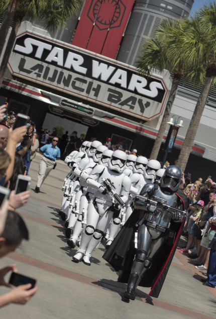 New Star Wars-Themed Experiences Shift Into Light Speed This Summer #AwakenSummer 8