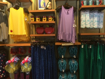 Disney Bounding Fashion Finds at Hollywood Studios! 5