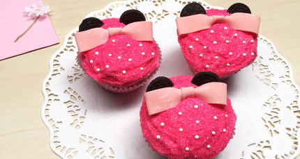 Minnie Mouse Cupcakes ~ Recipe 1