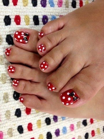 TMSM's Fashion Friday ~ Disney Pedicures! 11