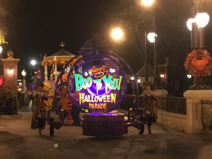 Halloween Season has Begun at Disney World! #MNSSHP 1