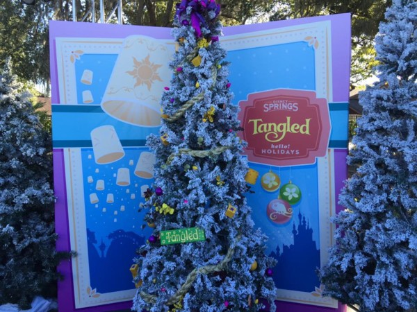 here a few photos of some of the lovely christmas trees across disney world - Disney Christmas Trees