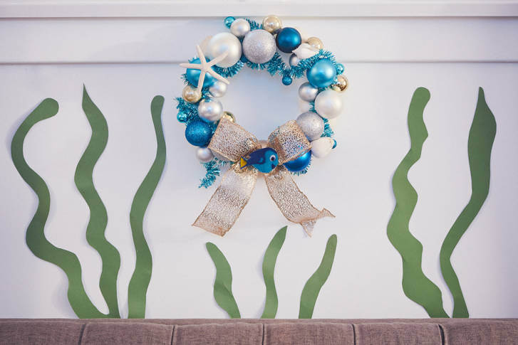 Make Your Own Finding Dory Christmas Wreath 14