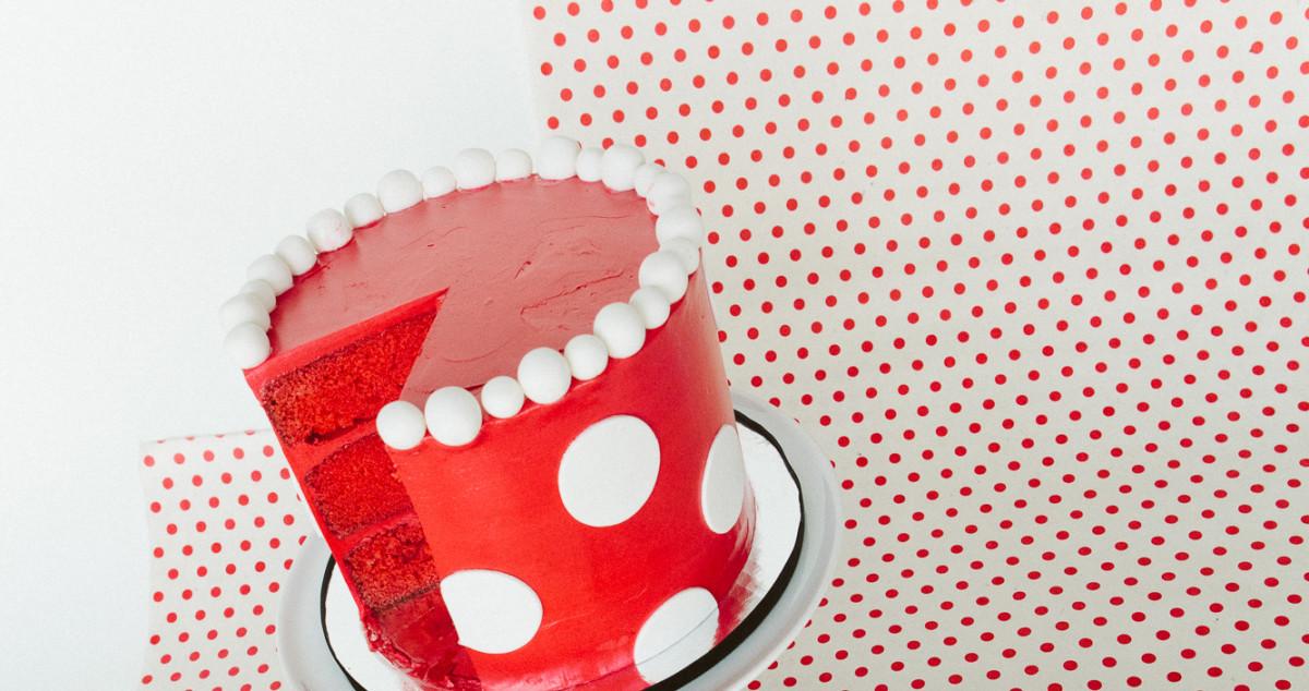 Minnie Mouse Polka Dot Cake ~ Recipe #rockthedots 2