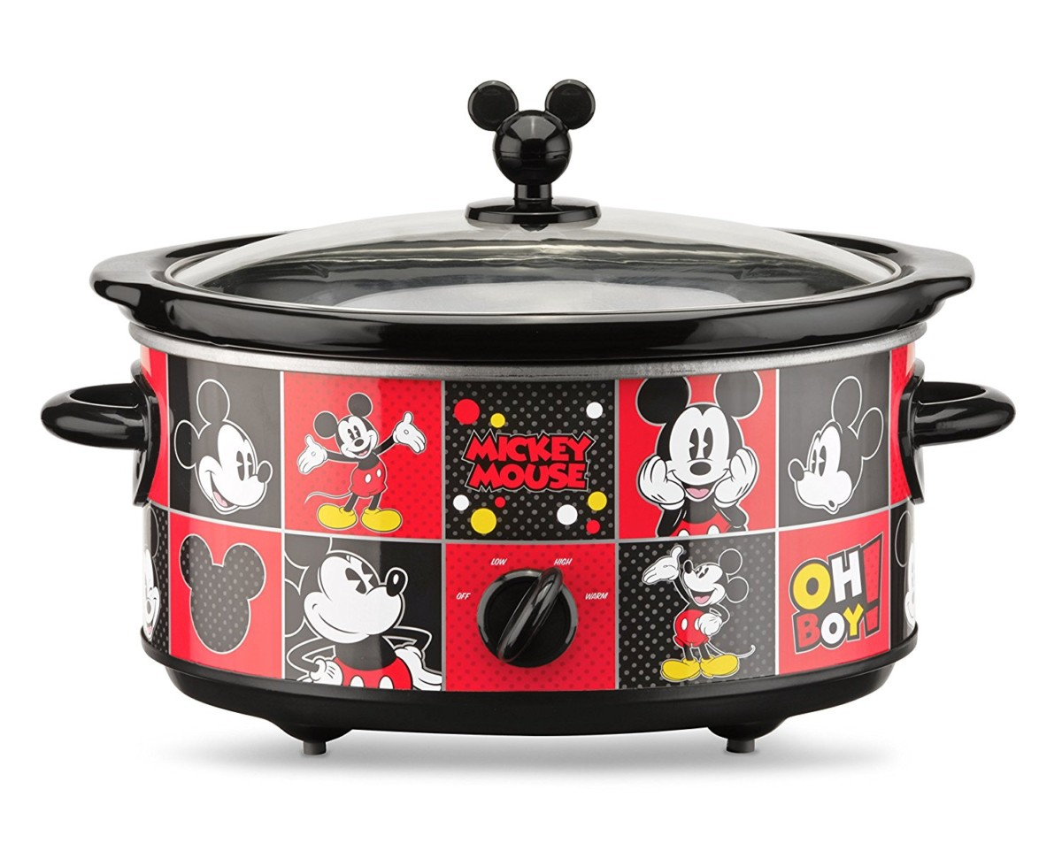 Mickey Mouse 5 quart Oval Slow Cooker with 20 oz Dipper 3
