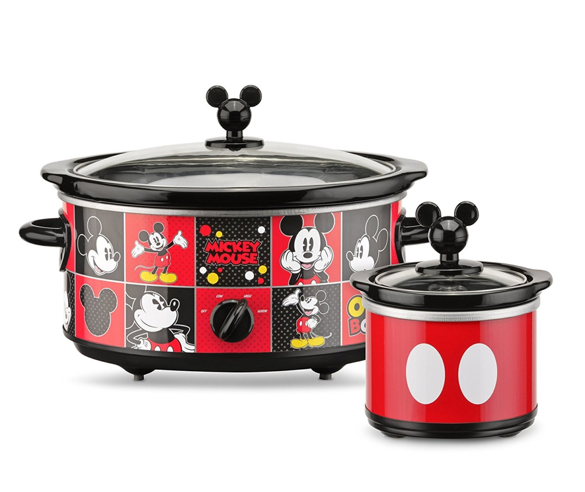 Mickey Mouse 5 quart Oval Slow Cooker with 20 oz Dipper 2