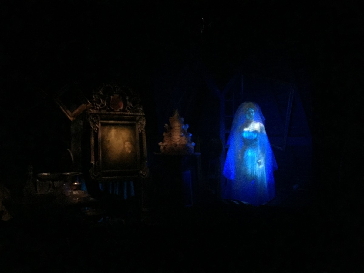 The Haunted Mansion Bride..... Great Place to Stop (video) 10