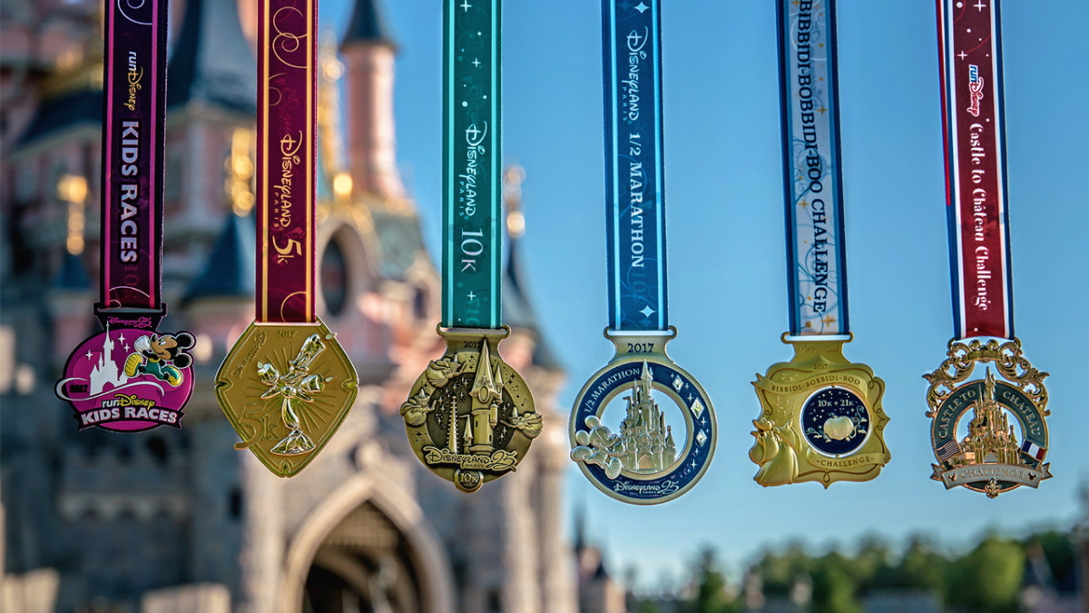 See The 2017 Disneyland Paris – Val d'Europe Half Marathon Weekend Medals 2