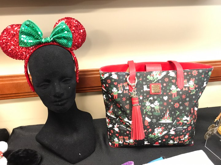 See What's New for the Coming Christmas Season at Walt Disney World #DisneyHoliday 21
