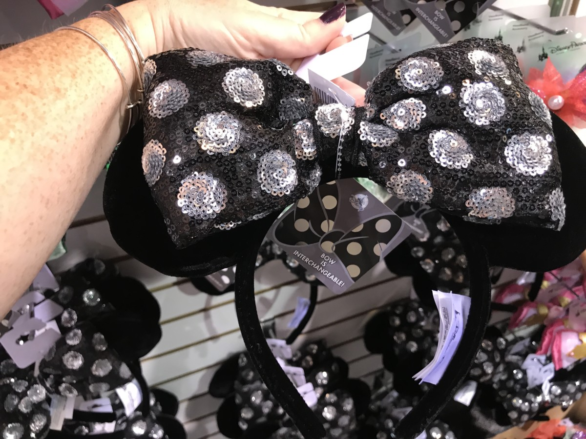 Updated Info! NEW Mouse Ears with Interchangeable Bows Coming to Disney Parks! #D23Expo 3