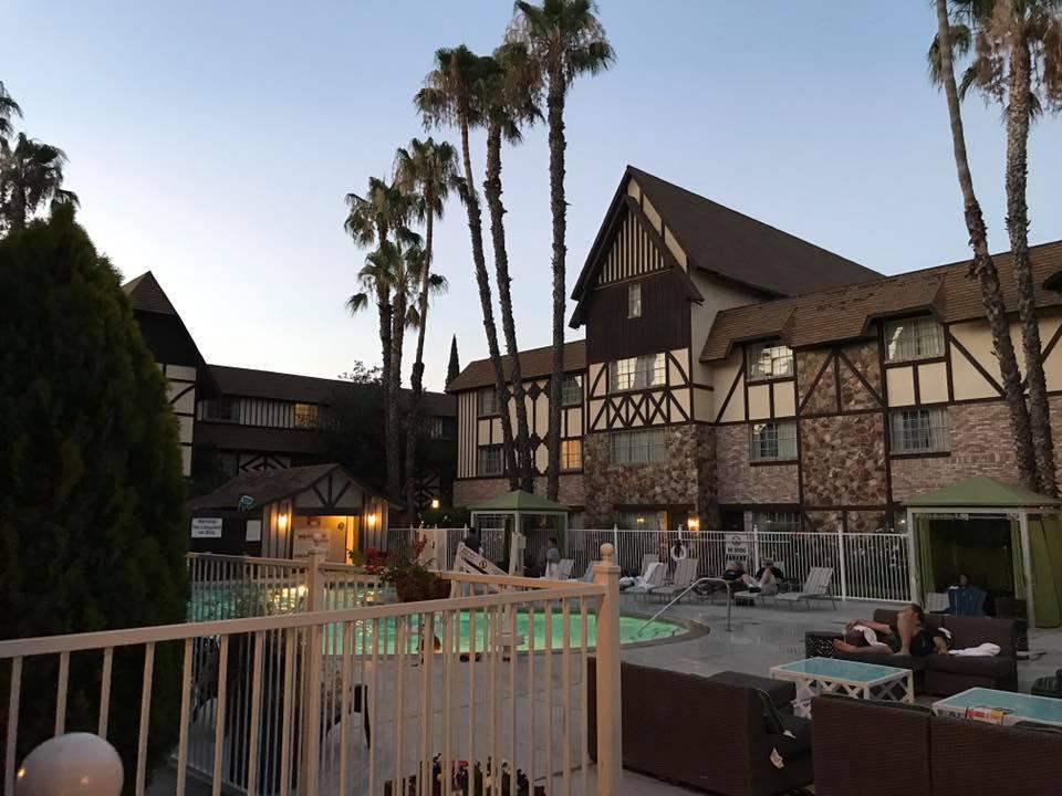 The anaheim majestic garden hotel disneyland - Anaheim majestic garden hotel to disneyland ...
