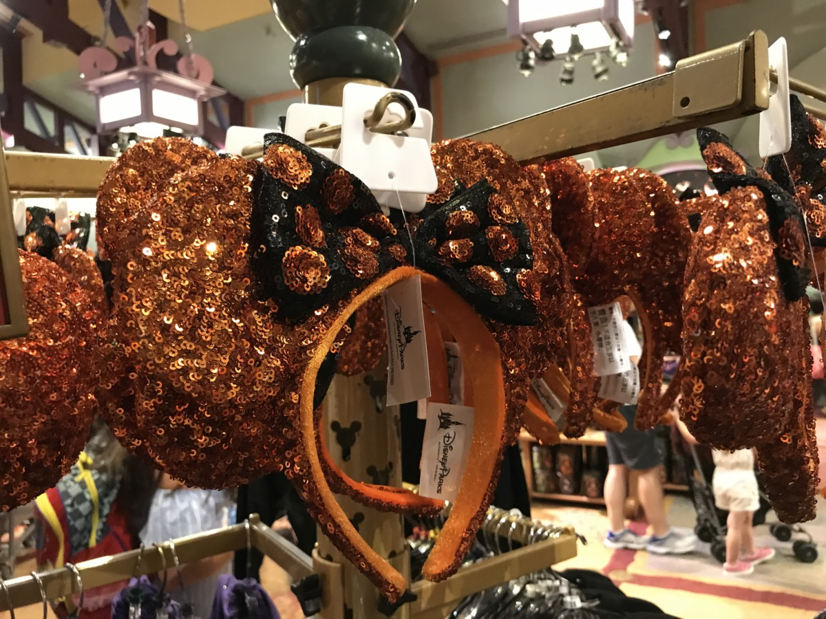 See the New Halloween Merchandise at Disney Parks Up Close! #BootoYou 9