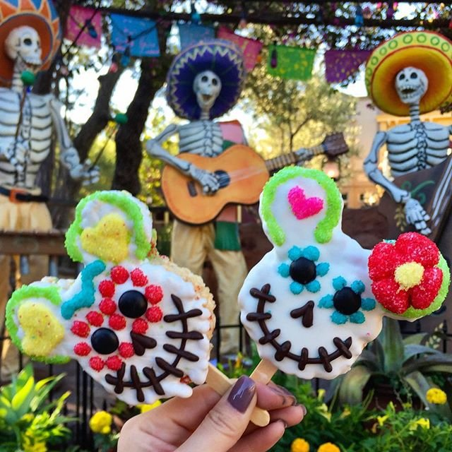 How to Make the Day of the Dead Rice Crispy Treat from Disneyland Resort 2